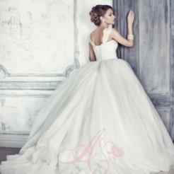 Пятый пример свадебного платья от Мадам Вуаля
