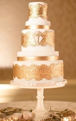 золотой                               свадебный торт