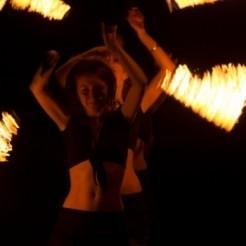 Девчата в шоу просто огонь