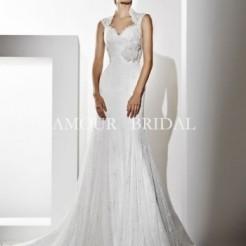 Платья в свадебном салоне Лора
