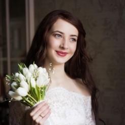 Первый пример свадебного макияжа Ксении Лопиной