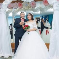Каталог платьев в свадебном салоне ANNA