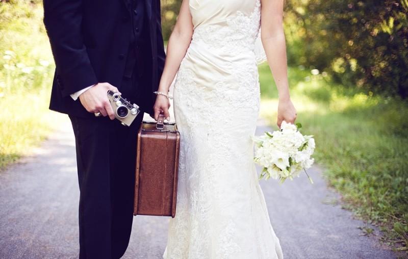 важно подобрать фотосессия свадьба с синем чемоданом больше ребенок