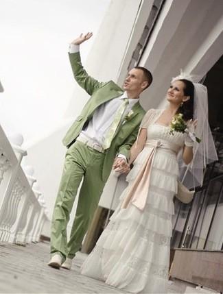 костюм жениха на летней свадьбе