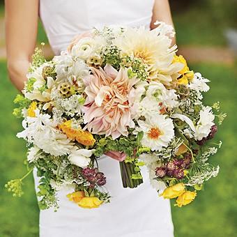 свадебный                               букет невесты полумесяц