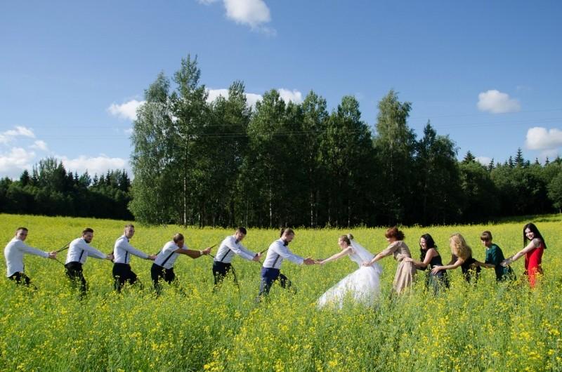 Замечательная свадебная фотосессия - потягушки