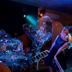 Второй пример шоу гигантских мыльных пузырей Татьяны Медведевой