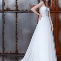 Четвертый пример свадебного платья в салоне Kuraje