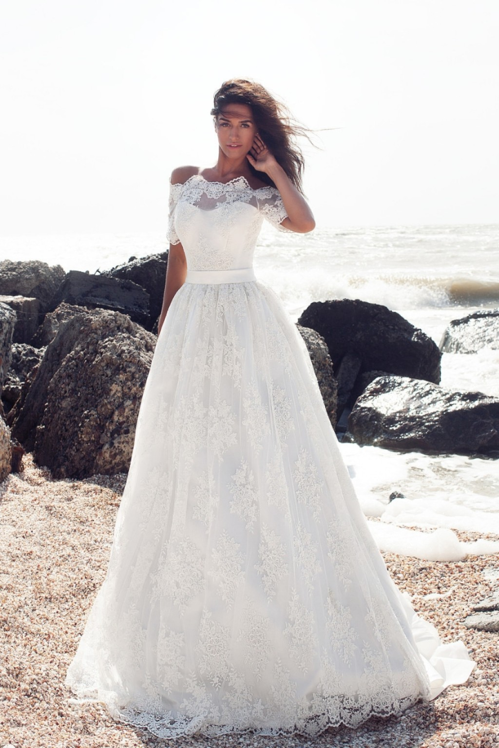 пышное свадебное платье с кружевом