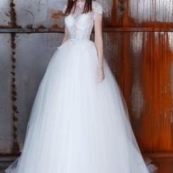 Второй пример свадебного платья в салоне Kuraje