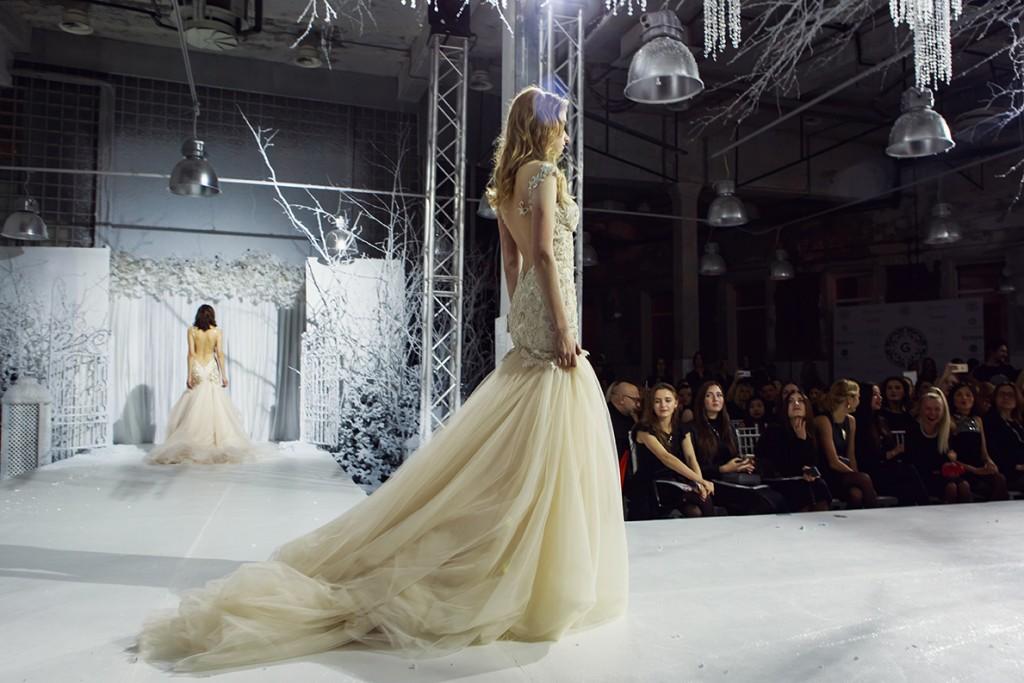 спинка свадебного платья