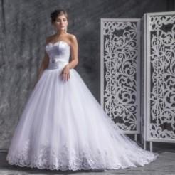 Третий пример свадебного платья в салоне Верона