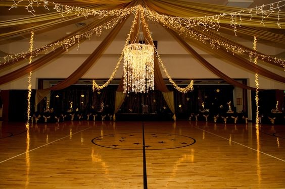 свадьба в школьном зале