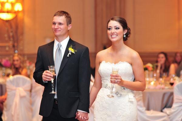 сохраняют ноги тост от жениха с невестой для гостей простом